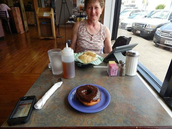 Charlie's Bakery and Cafe: window table with three loved ones