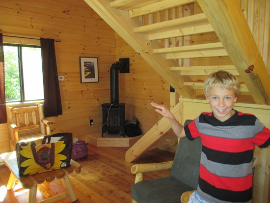 Branches of Niagara Campground & Resort : our cabin