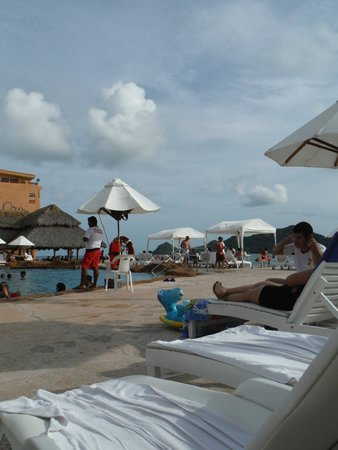 Costa de Oro Beach Hotel : pool