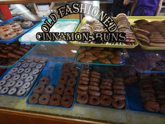 Charlie's Bakery and Cafe: great case