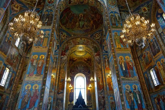 Church of the Savior on Spilled Blood: View from the east, looking west in the Church of Our Savior on Spilled Blood