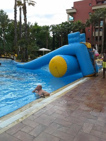 Ohtels Vil.la Romana: pool slide