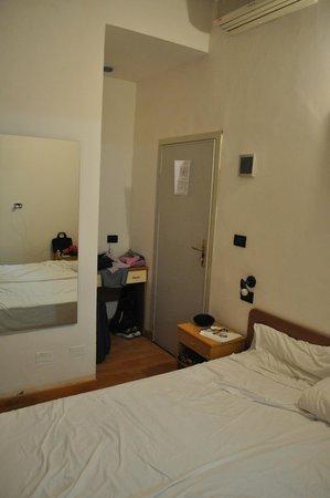 Hotel Elisa : Вид номера