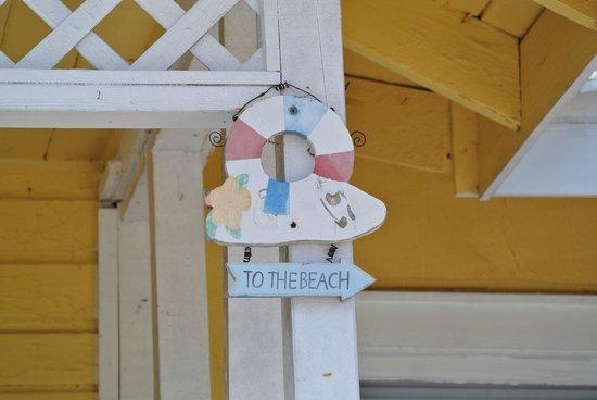 Sunshine Cozy Cottages: So close!