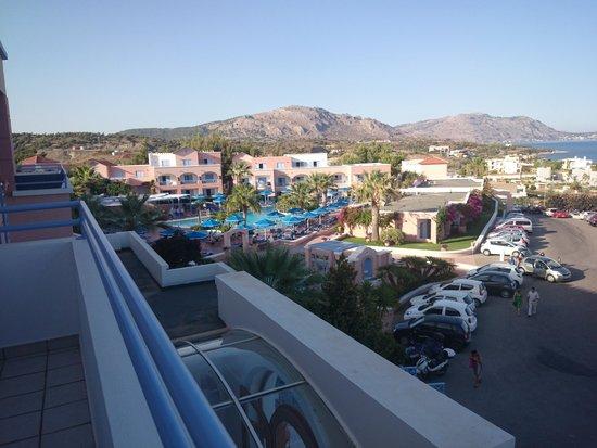 Mitsis Rhodos Village Beach Hotel : Balkong
