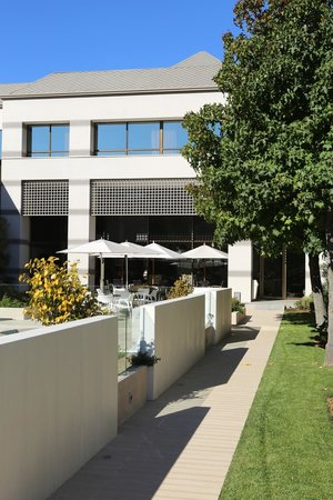 Holiday Inn Express Temuco: Hotel Exterior