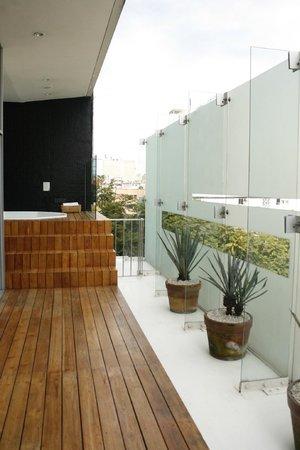 Hotel Habita: Jacuzzi Area