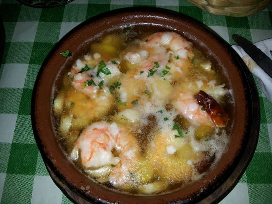 Pincha Cabra Tapas Bar: Gamberi all'aglio