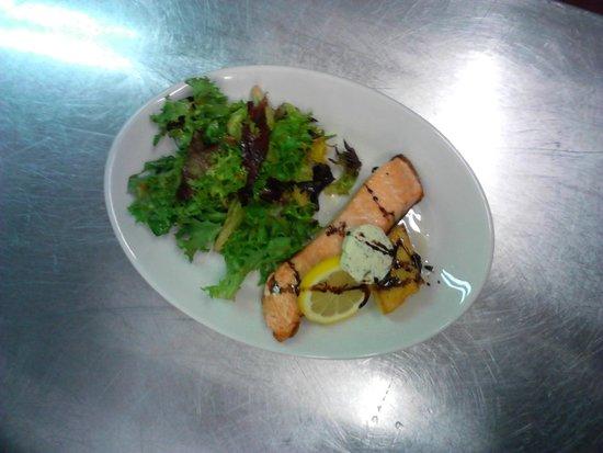 Silver Star Restaurant : Fresh Scottish salmon