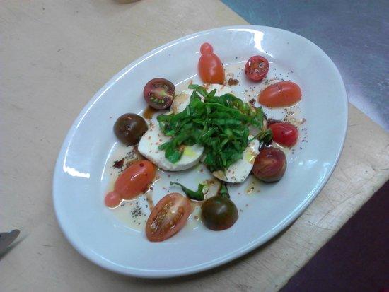 Silver Star Restaurant : Fresh mozzarella, basil, and tomato salad