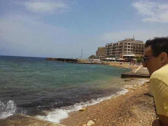 Mellieha Bay Hotel : Across the bay