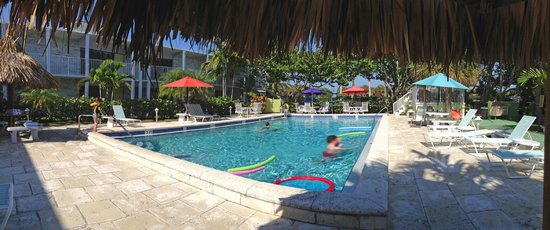 South Beach Place: Panoramic of the Pool...