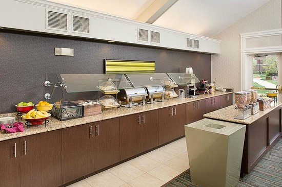 Residence Inn Saddle River : Free Full Breakfast Buffet served daily