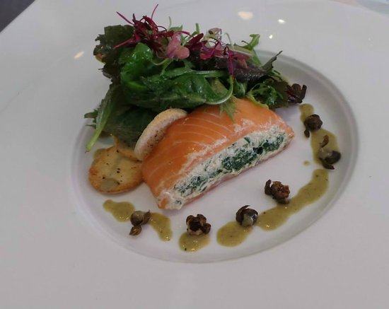 The Rose Garden: Starter 1: White crab meat, cream cheese, smoked salmon, watercress, capers.