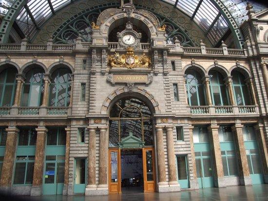 Gare centrale : Визитная карточка Антверпена.