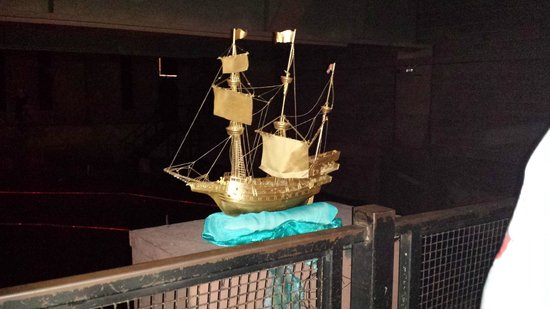 The Rose Theatre: Ship for top of show