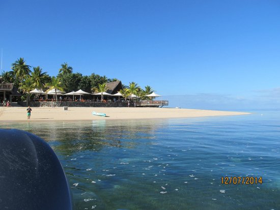 Castaway Island Fiji : view from a boat of the main dining area