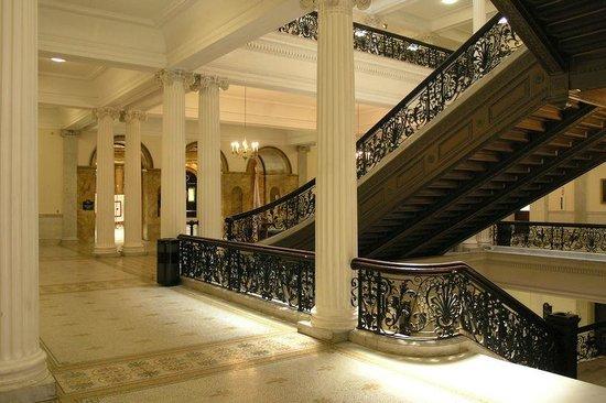 Massachusetts State House : Stairways