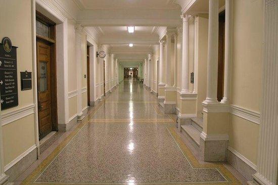 Massachusetts State House : Upper floor halls
