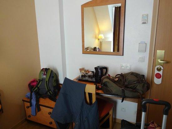 Home MODERNE : Room with desk