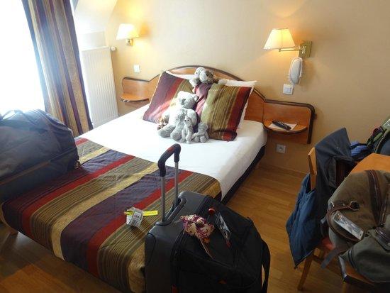 Home MODERNE : Queen bed