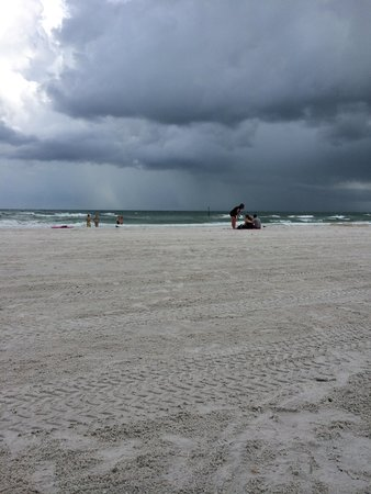 Hyatt Regency Clearwater Beach Resort & Spa: 2nd day rained all day