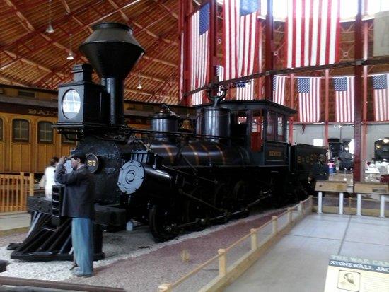 Baltimore and Ohio Railroad Museum: Steam engine