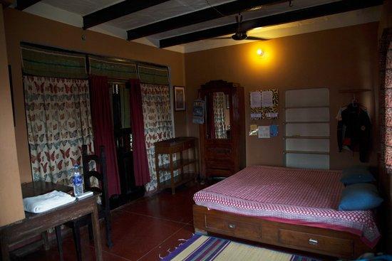 Ram Bhawan Kautilya Society Residence: Camera a fianco dell'area comune