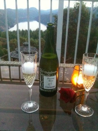 Prancing Horse Retreat: Chilled wine, roses, and a great view from our private patio!