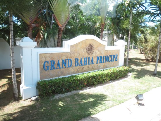 Grand Bahia Principe Jamaica : Front entrance sign