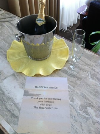 Shearwater Inn : Birthday surprise