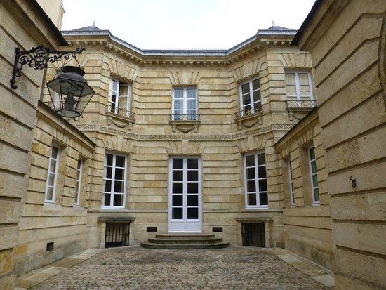 Petit Hotel Labottiere : 18th century townhouse
