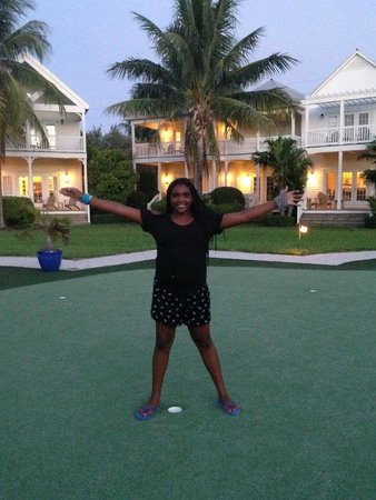 Tranquility Bay Beach House Resort: Putting green