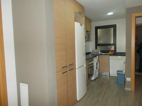 Apartments Eixample Spain Square: Kitchen