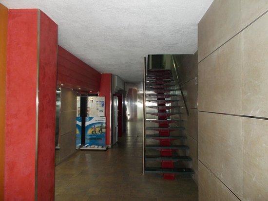 Apartments Eixample Spain Square: Lobby - entrance