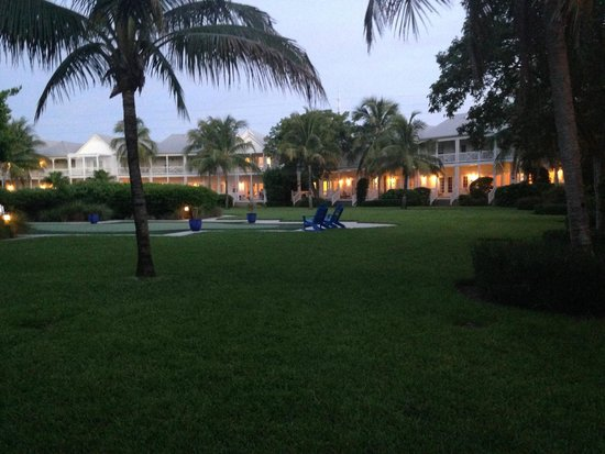 Tranquility Bay Beach House Resort : Hotel grounds