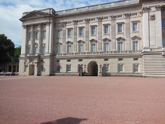 Buckingham Palace: Beautiful and Joyful