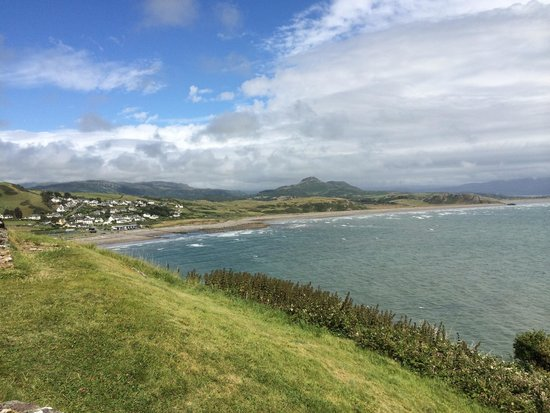 Criccieth Castle: Another amazing view...