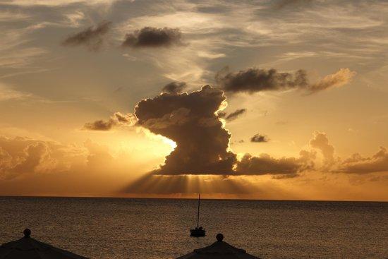 Carimar Beach Club : Amazing sunset