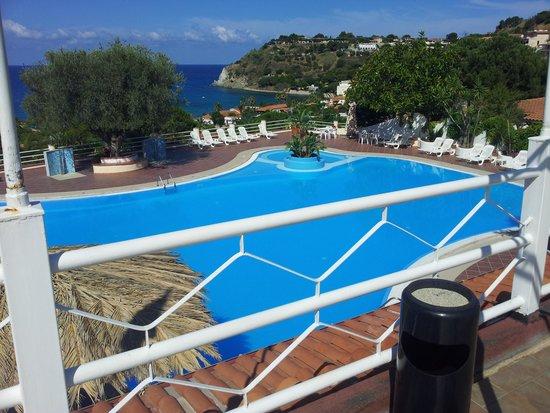 Smedile Residences: piscina