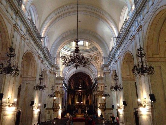 Catedral Matriz: Interior grandioso