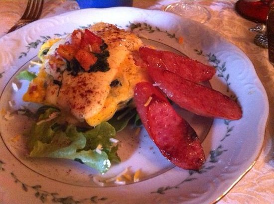 The Cedar House Inn : Breakfast: FLorentine Frittata with mild jalepeno Beshemel and Roasted teardrop sausage