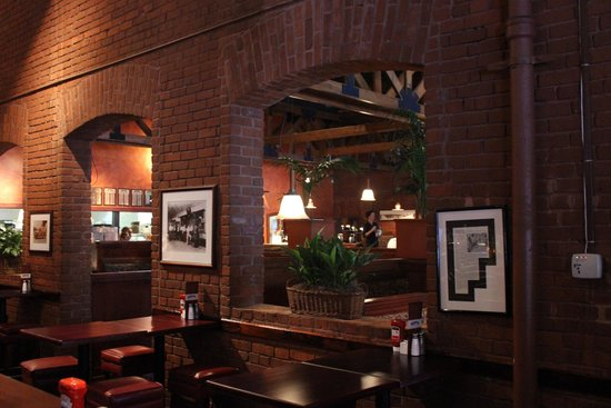 Big River Grille & Brewing : Brick arches