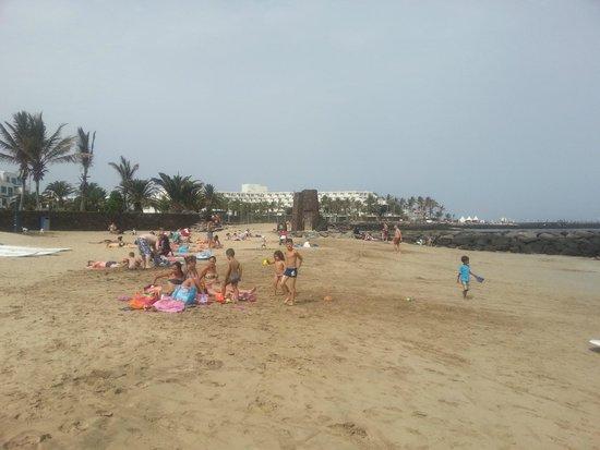 Melia Salinas - Adults recommended: bonita y tranquila playa con el hotel de fondo