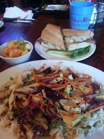 Llywelyn's Pub: Irish pub food at its best!
