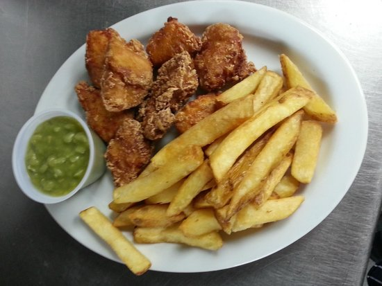 The Plaice Restaurant: Chicken Nuggets, Chips & Mushy Peas