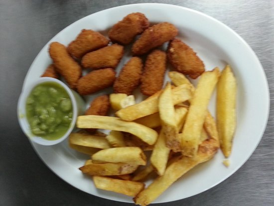 The Plaice Restaurant: Scampi, Chips & Mushy Peas