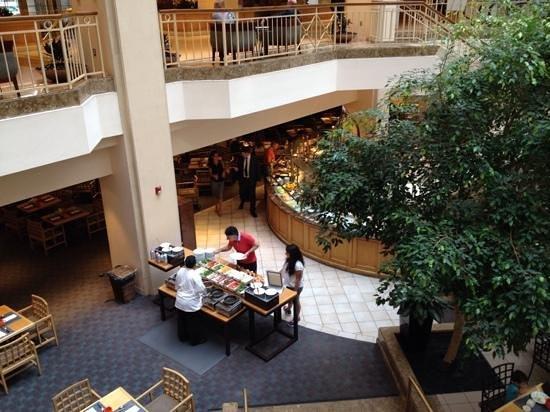 Grand Hyatt Washington: Buffet in the Atrium