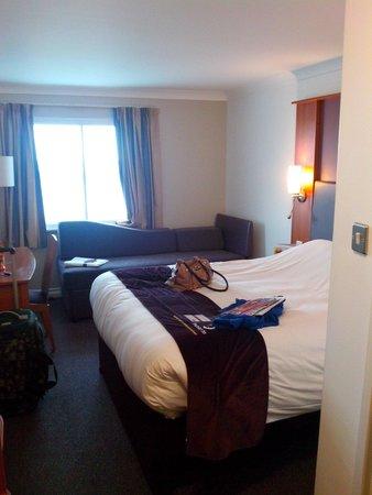 Premier Inn Bridgend Central Hotel : Room 301