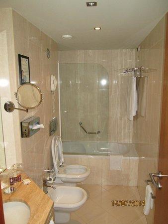 Turim Iberia Hotel: Bathroom